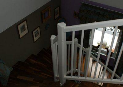 Nusstreppe mit weißem Geländer