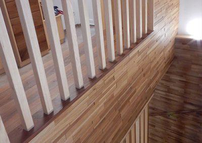 Eschenstiege mit Wandverkleidung aus Steppwood in Eiche 4621